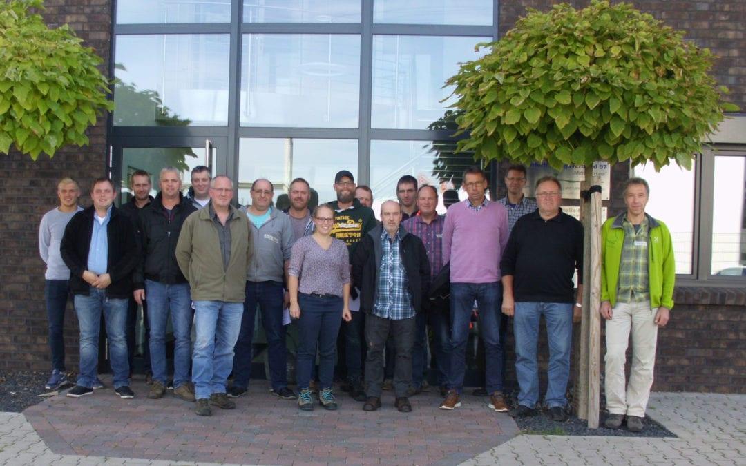 """Zweite Schulung zum Thema """"Umgang mit invasiven Neophyten"""" für Bauhof- und Unterhaltungsverbandsmitarbeiter"""