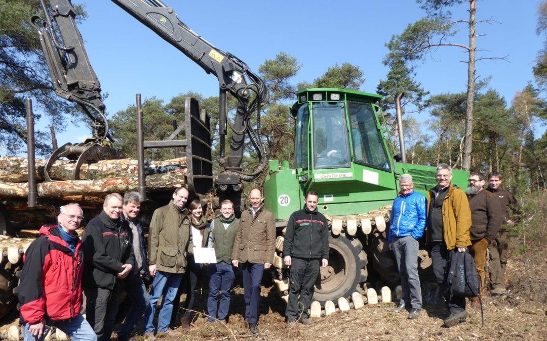 """Abschluss des Projektes """"Boden- und bestandesschonender Forstmaschineneinsatz"""" im FFH-Gebiet 319 """"Gehn"""""""